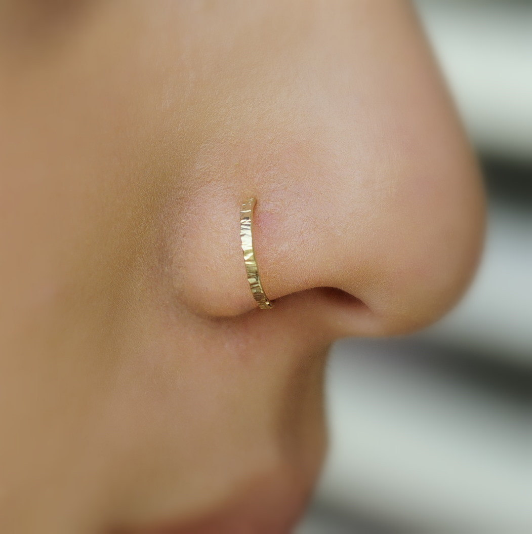 Treat yourself to a gold nose ring or go full circle with a nose ring hoop. Spice up the rest of your body with our eyebrow piercings and navel jewelry! Shop Hot Topic for the best in body jewelry because when you nose, you nose.