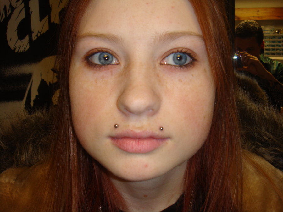 Monroe piercing Care, Pain, Infection, Jewelry, Cost ...