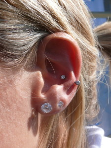 Snug Curved Barbells Piercing