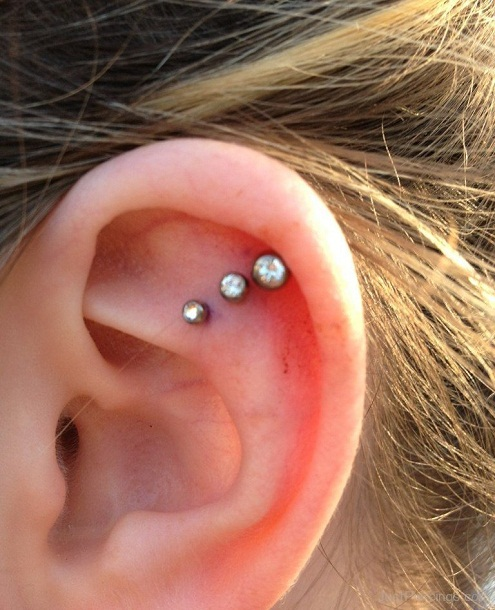 Triple Ear Lobe Piercing: Pain, Aftercare, Jewelry, Price ... Ear Piercings Cartilage